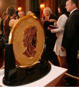 1kg maple2 - 100kg gold coin goes on sale… for £3.8m
